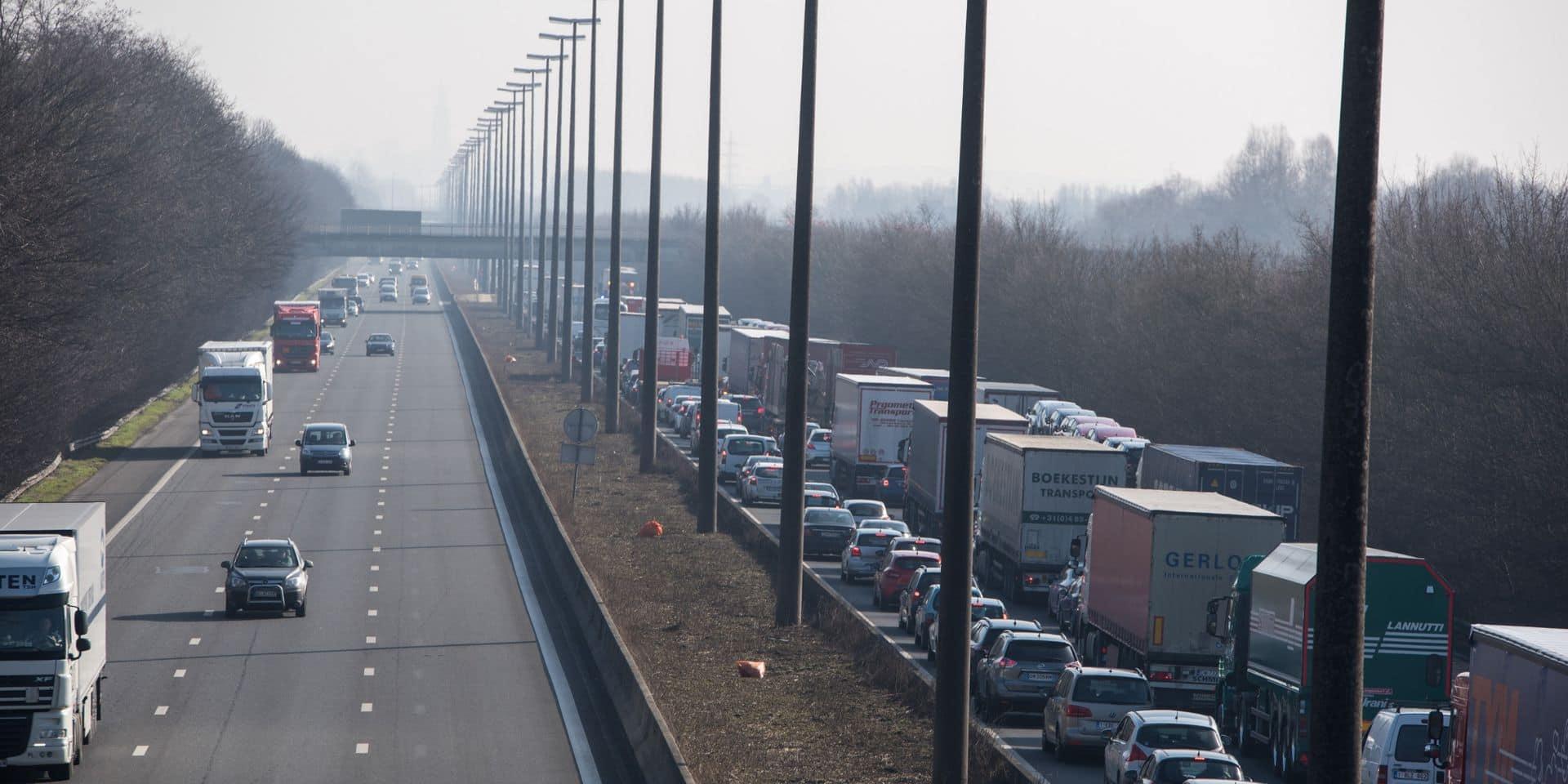 Mons: De nouvelles analyses vont être menées pour les murs antibruit