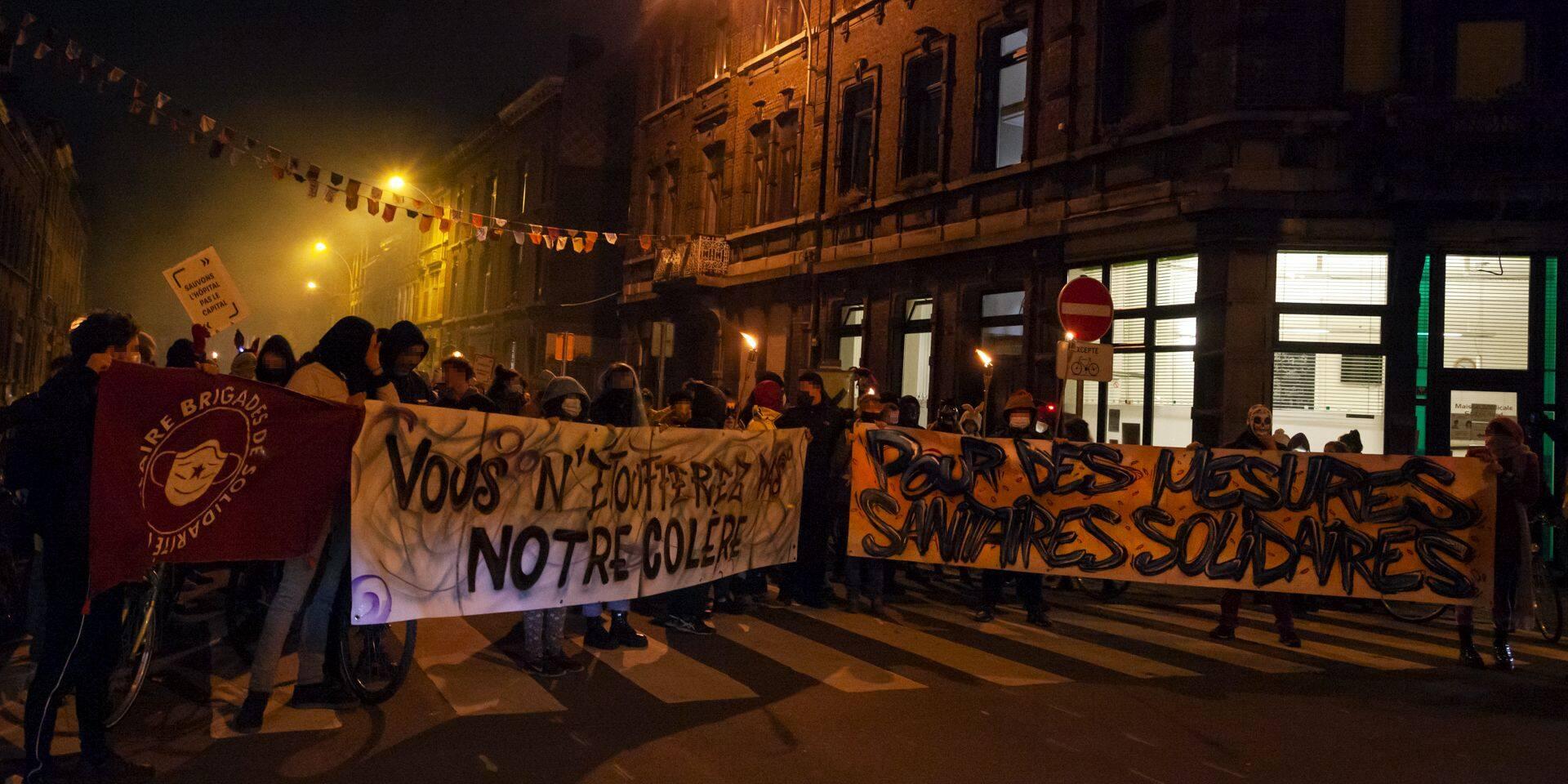 150 citoyens ont manifesté à Liège contre les mesures anti-Covid après le couvre-feu