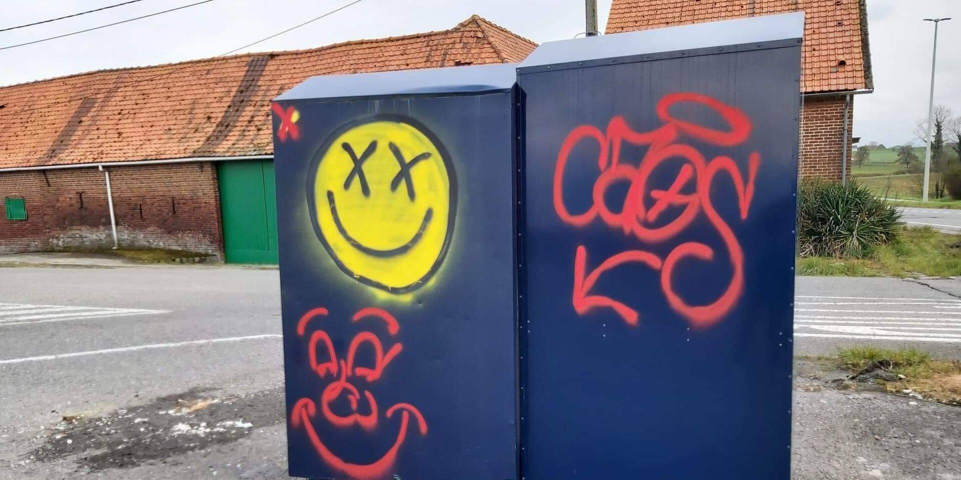 Hacquegnies: des conteneurs à vêtements vandalisés !