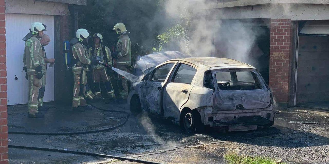 Jumet: un incendie de voiture rue Jules Loriaux
