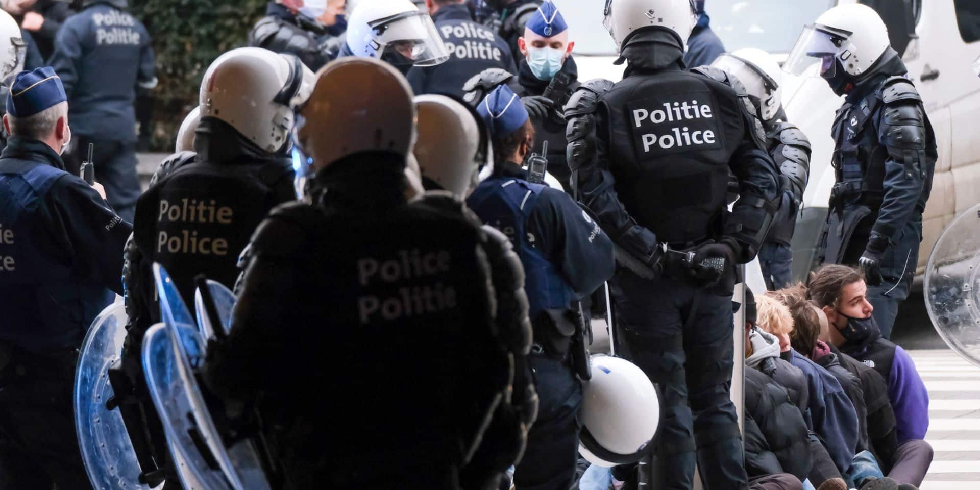 Manifestation contre la justice de classe à Bruxelles : plusieurs policiers se dressent contre les violences policières (CGSP)