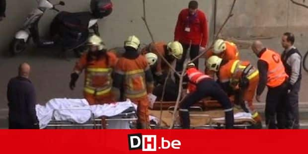 Bomb explosion at Maelbeek metro in Brussels 22/03/2016  Two explosions rip through Brussels airport on Tuesday morning  Third blast hits Metro system close to EU buildings an hour later  Reports of 13 dead and 35 injured in coordinated attacks  Blasts at Zaventem airport reportedly part of 'suicide attack'  Terrorist bomb attacks as Belgian capital on high alert ©Leonard Reporters / LEONARD
