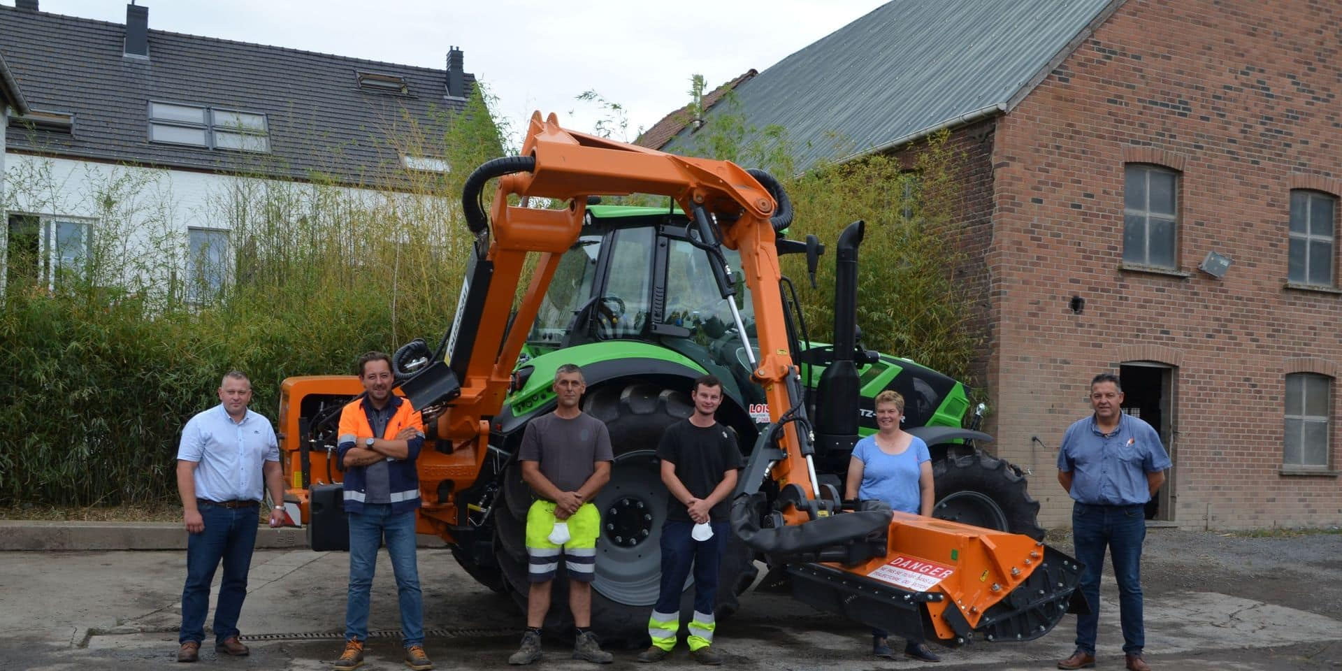 Frasnes : un tracteur débroussailleur pour le service Travaux