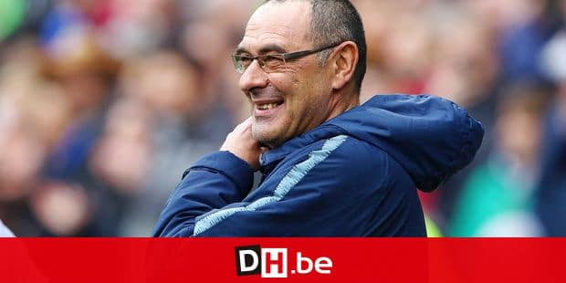 Chelsea's Italian head coach Maurizio Sarri smiles ahead of the English Premier League football match between between Cardiff City and Chelsea at Cardiff City Stadium in Cardiff, south Wales on March 31, 2019. (Photo by Geoff CADDICK / AFP) / RESTRICTED TO EDITORIAL USE. No use with unauthorized audio, video, data, fixture lists, club/league logos or 'live' services. Online in-match use limited to 120 images. An additional 40 images may be used in extra time. No video emulation. Social media in-match use limited to 120 images. An additional 40 images may be used in extra time. No use in betting publications, games or single club/league/player publications. /
