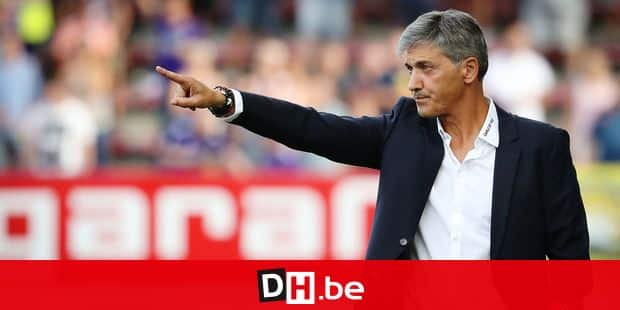 Charleroi's head coach Felice Mazzu gestures during the Jupiler Pro League match between Sporting Charleroi and RSC Anderlecht, in Charleroi, Sunday 12 August 2018, on the third day of the Jupiler Pro League, the Belgian soccer championship season 2018-2019. BELGA PHOTO VIRGINIE LEFOUR