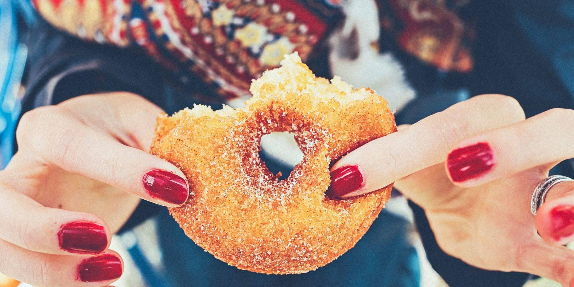 Fringale, craquage, crasses et chocolat : comment éviter de manger des sucreries l'après-midi