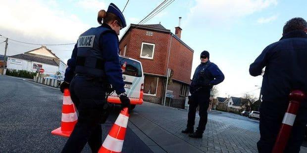 Charleroi: sans permis, il fonce sur des policiers et des douaniers - La DH