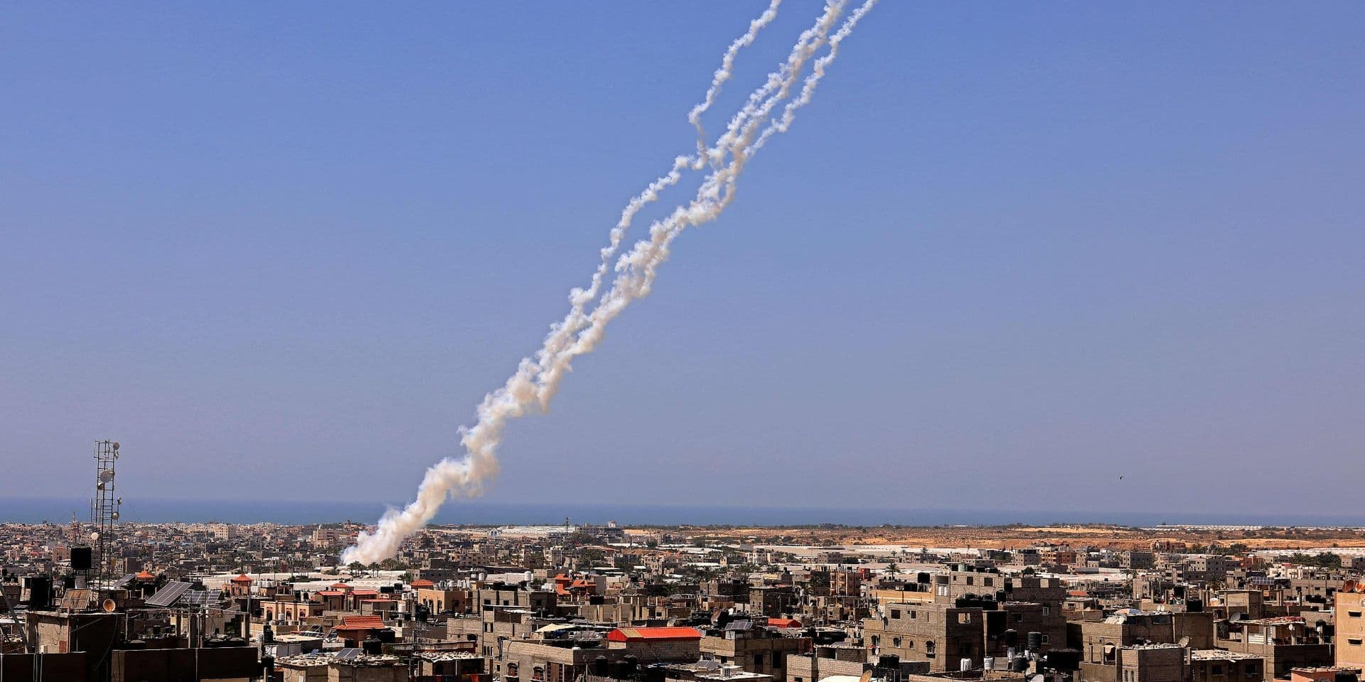 Conflit israélo-palestinien: le Hamas tire quinze roquettes en direction d'un réacteur nucléaire israélien