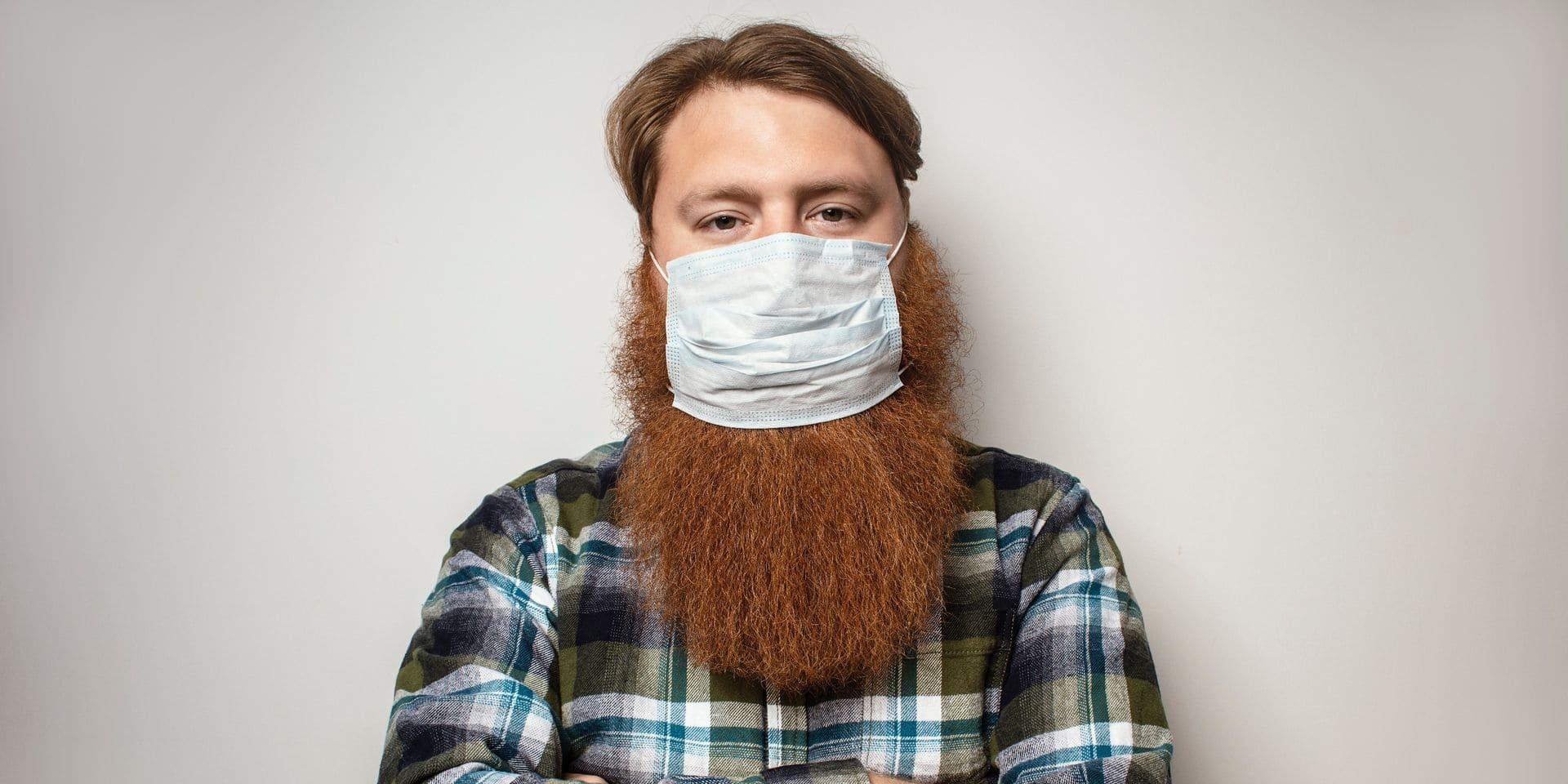"""Masques et barbes ne font pas bon ménage: """"elles diminuent l'efficacité des masques"""", selon un dermatologue"""