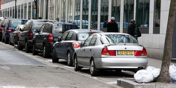 Des faux agents de stationnement à la gare du Midi - La DH
