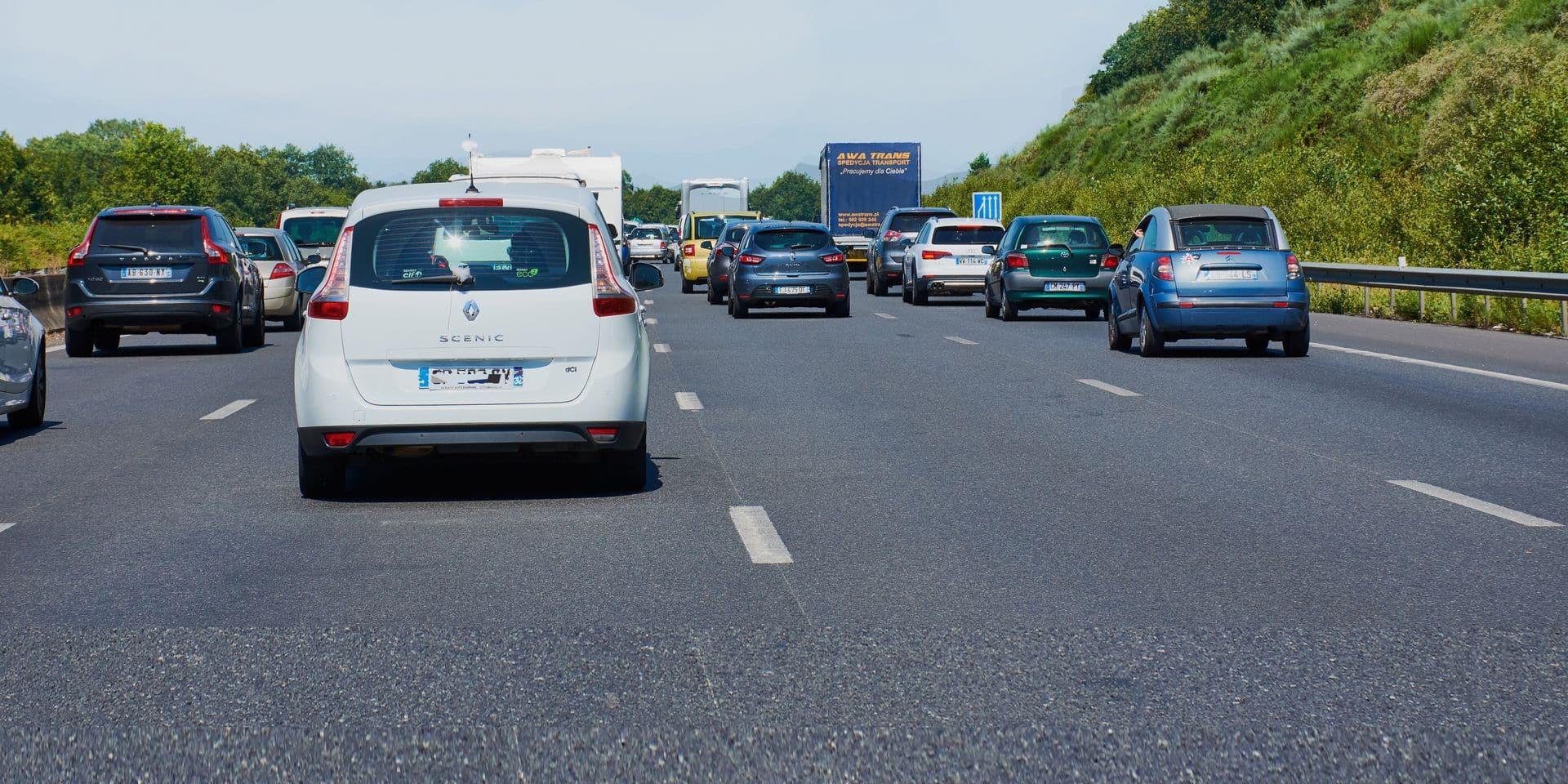 Nantes,,France,-,June,30,,2018:,Traffic,Jam,On,A