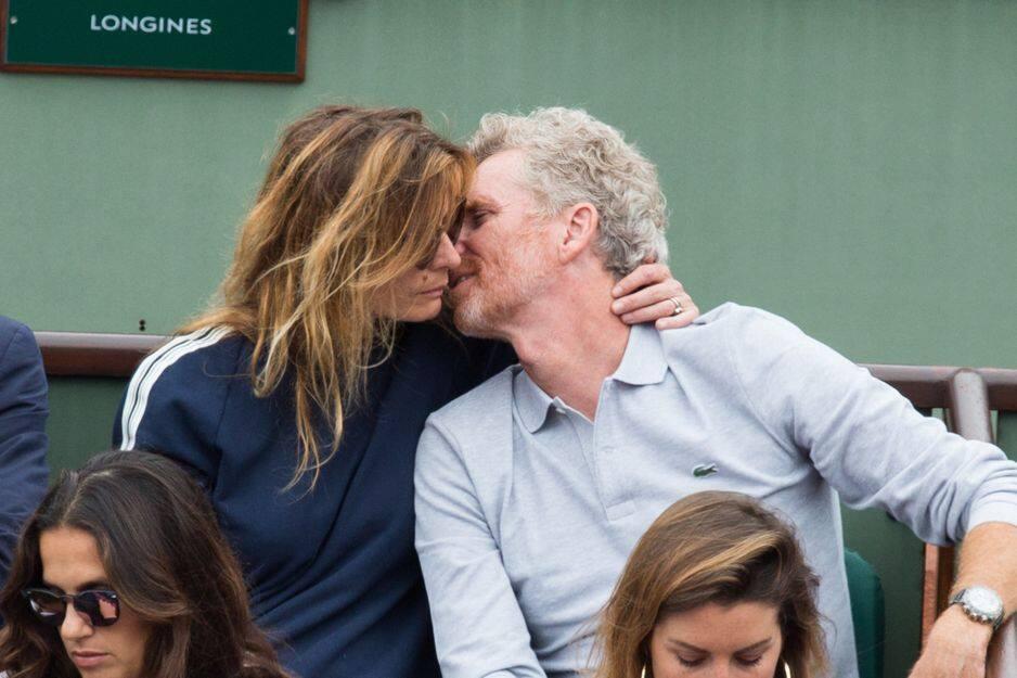 Denis Brogniart et sa femme.