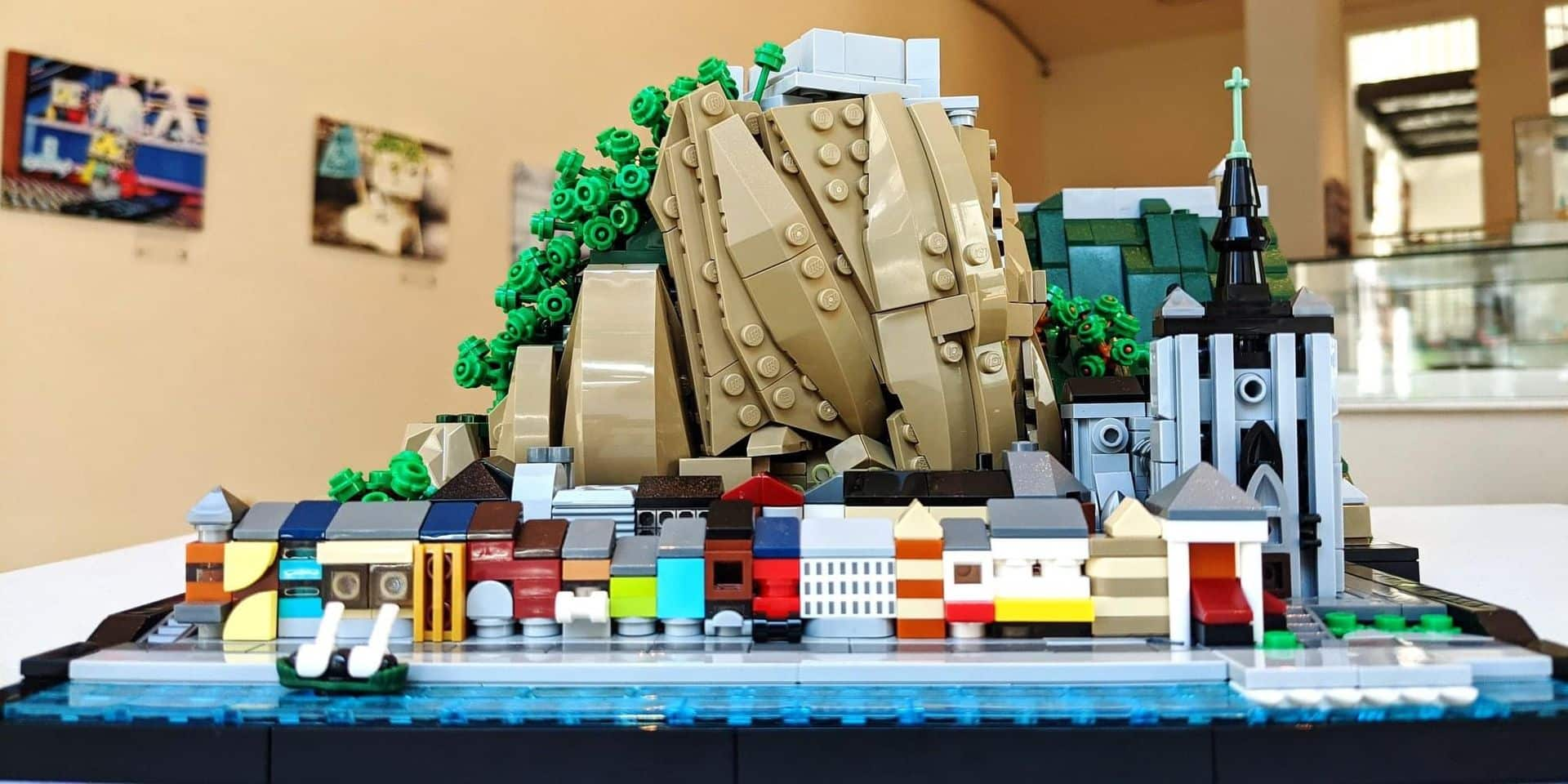 La sculpture de Dinant en Lego exposée au centre culturel
