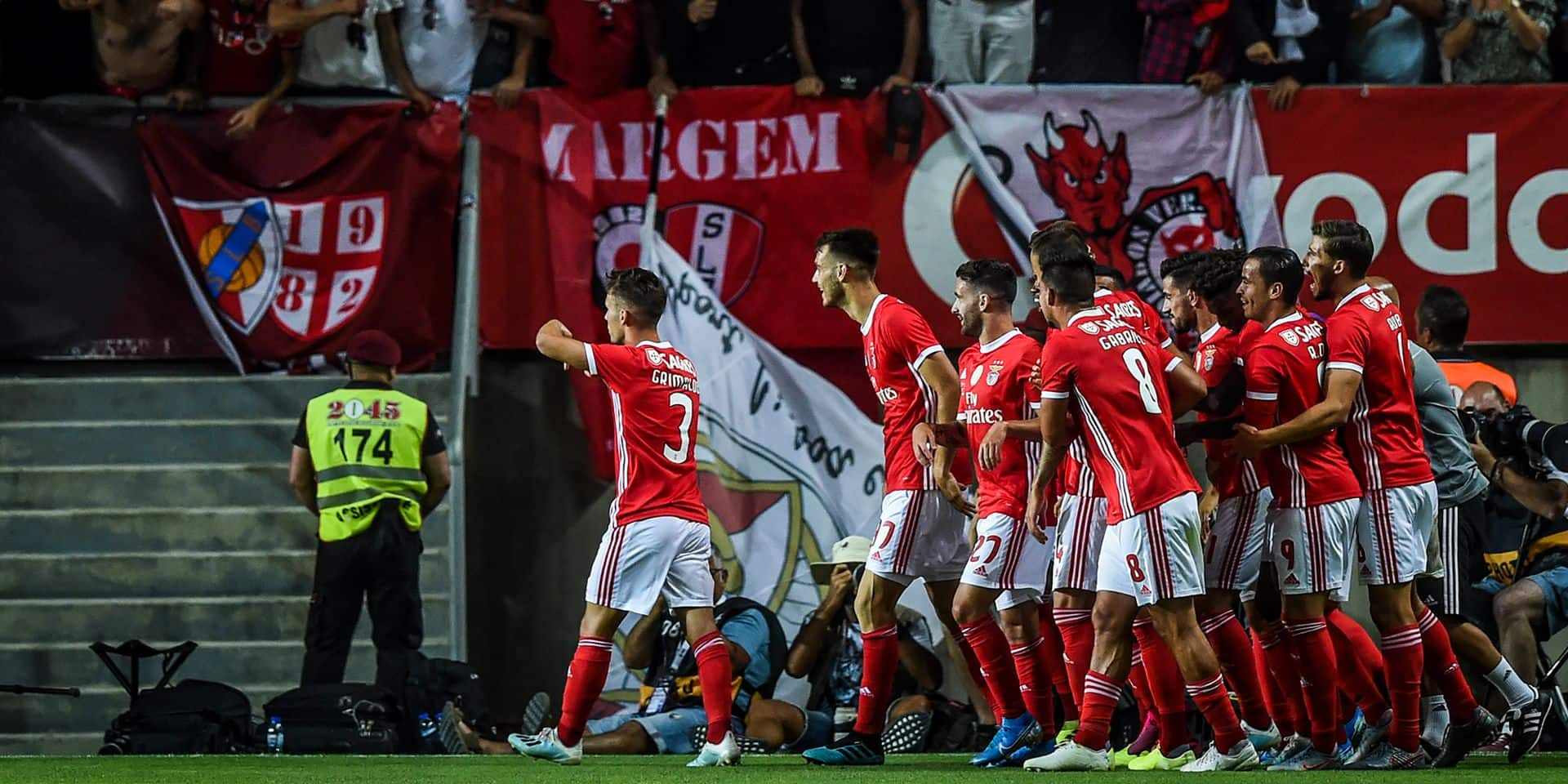 Benfica Corrige Le Sporting Et Remporte La Supercoupe Du