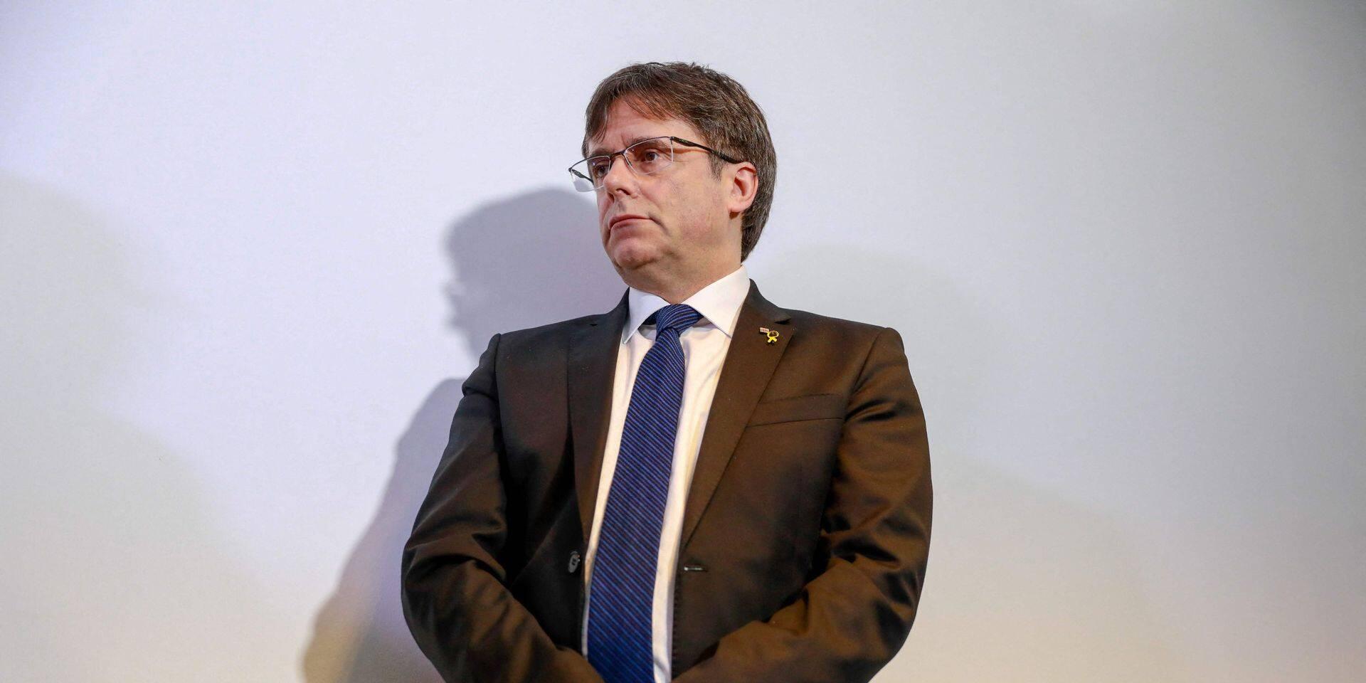 Carles Puigdemont attend son passage devant la justice italienne