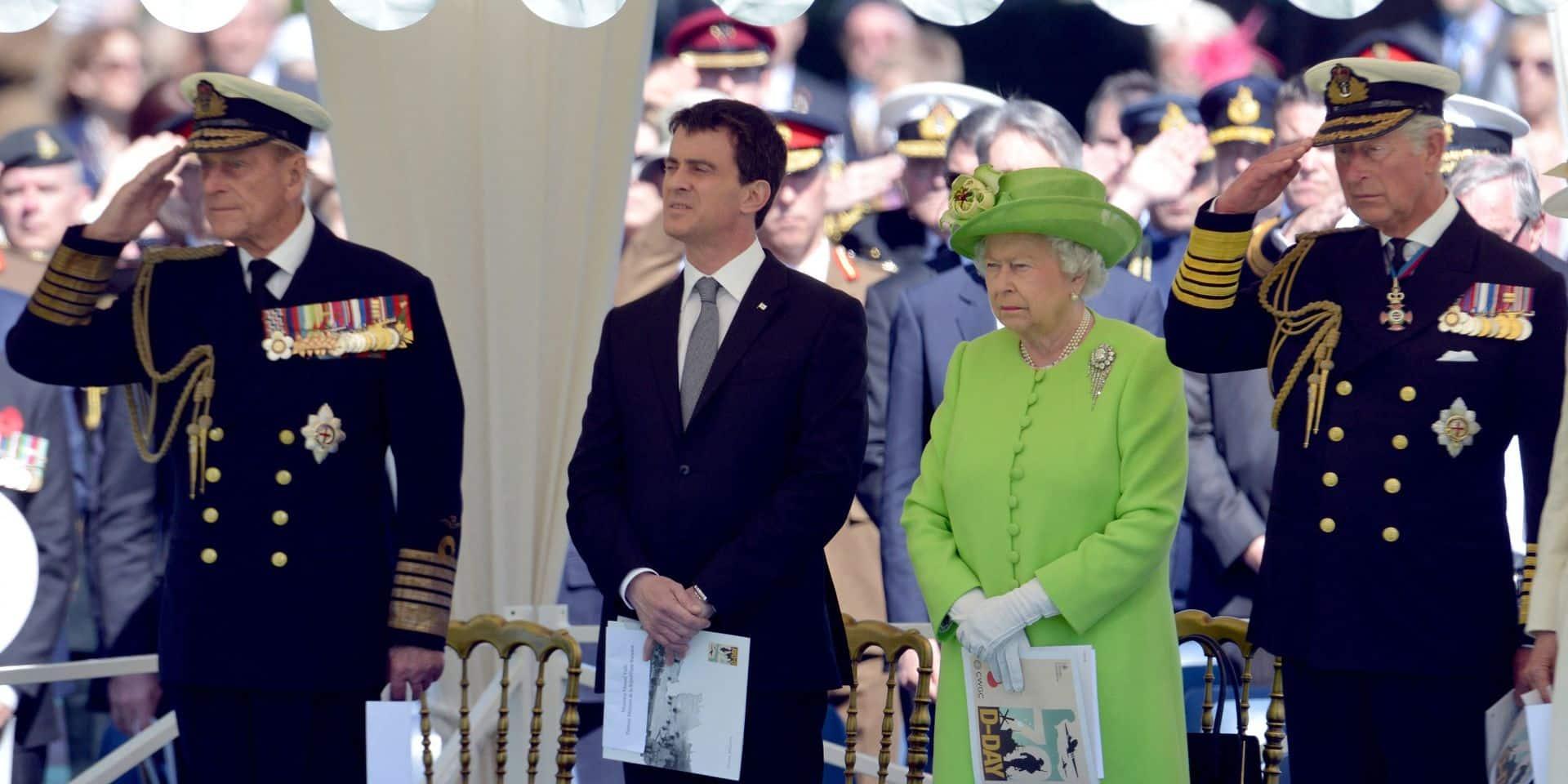 Manuel Valls rend hommage au prince Philip, les internautes se moquent de lui