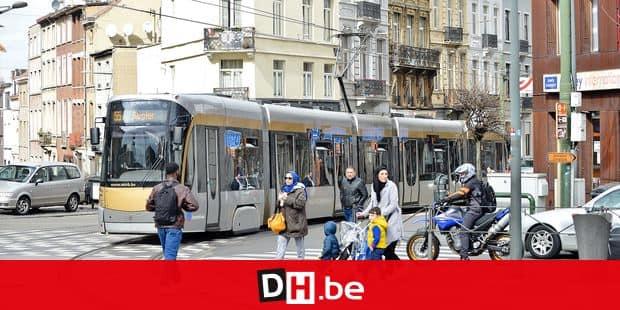 transport commun urbain ville bruxelles mobilite ecologie environnement ozone co2 carbone pollution circulation tram STIB