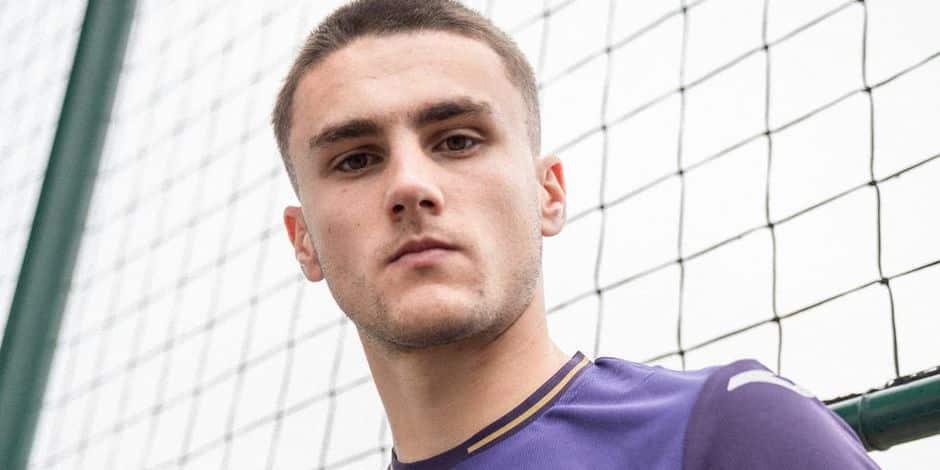 Officiel: le défenseur de City Taylor Harwood-Bellis prêté au RSCA