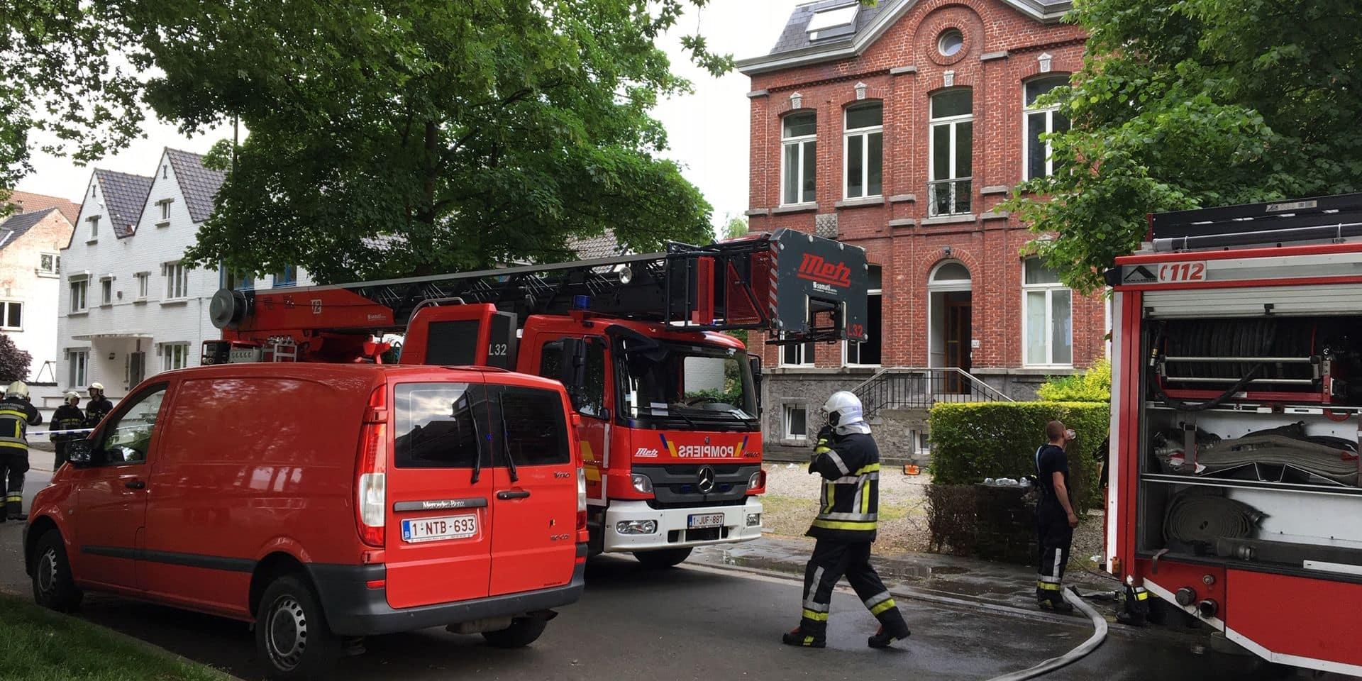 Tournai : Un logement inhabitable parmi plusieurs appartements.