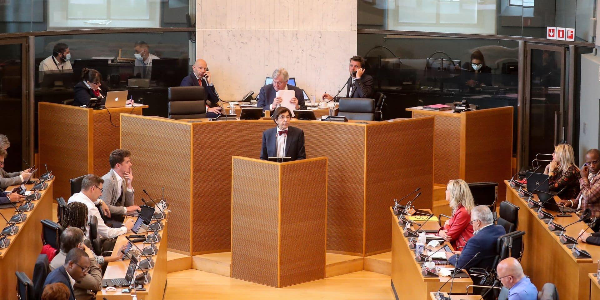 Le Parlement de Wallonie se penche sur un ajustement budgétaire plombé par la crise