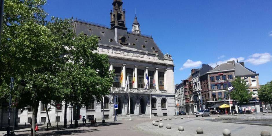 """""""Charleroi mérite un bourgmestre à temps plein"""": le front commun tance Magnette (bis)"""