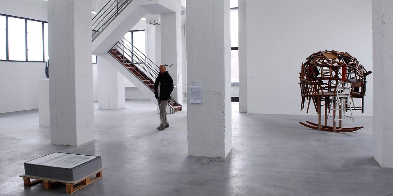 Une exposition multidisciplinaire réunit 235 artistes bruxellois dans les anciens bâtiments Vanderborght du 16 au 19 juillet