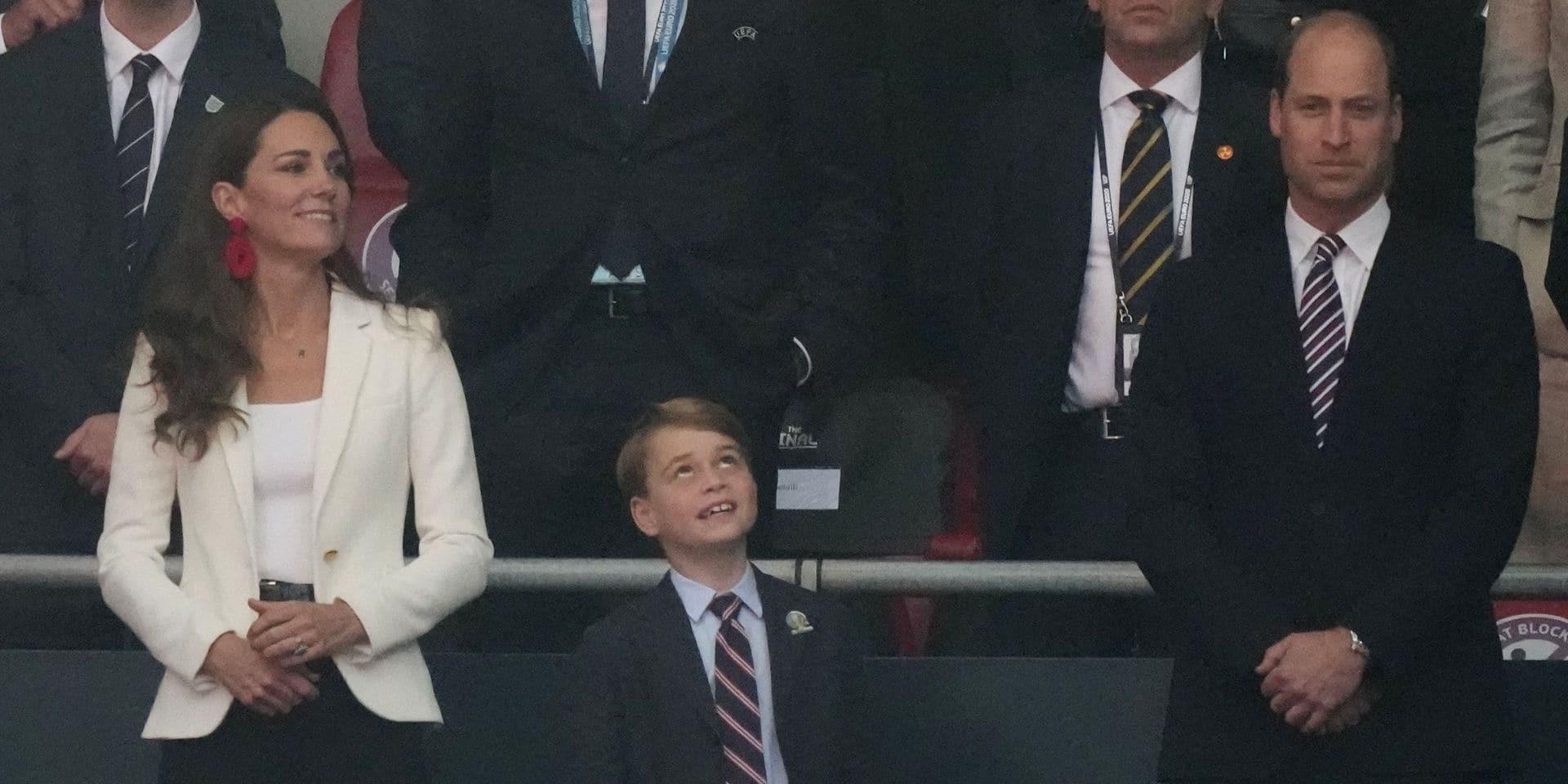 La réaction géniale du prince George sur le but anglais (VIDEO)