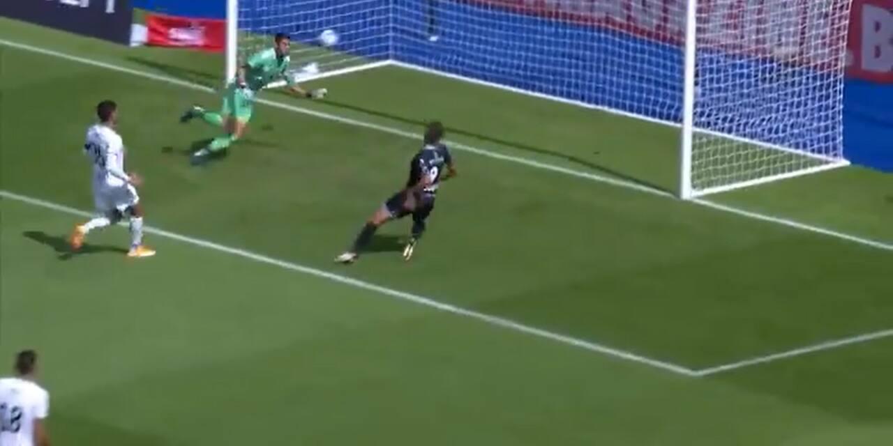 Déjà le raté de la saison en Jupiler Pro League ? Vossen se loupe devant un but vide (VIDEO)
