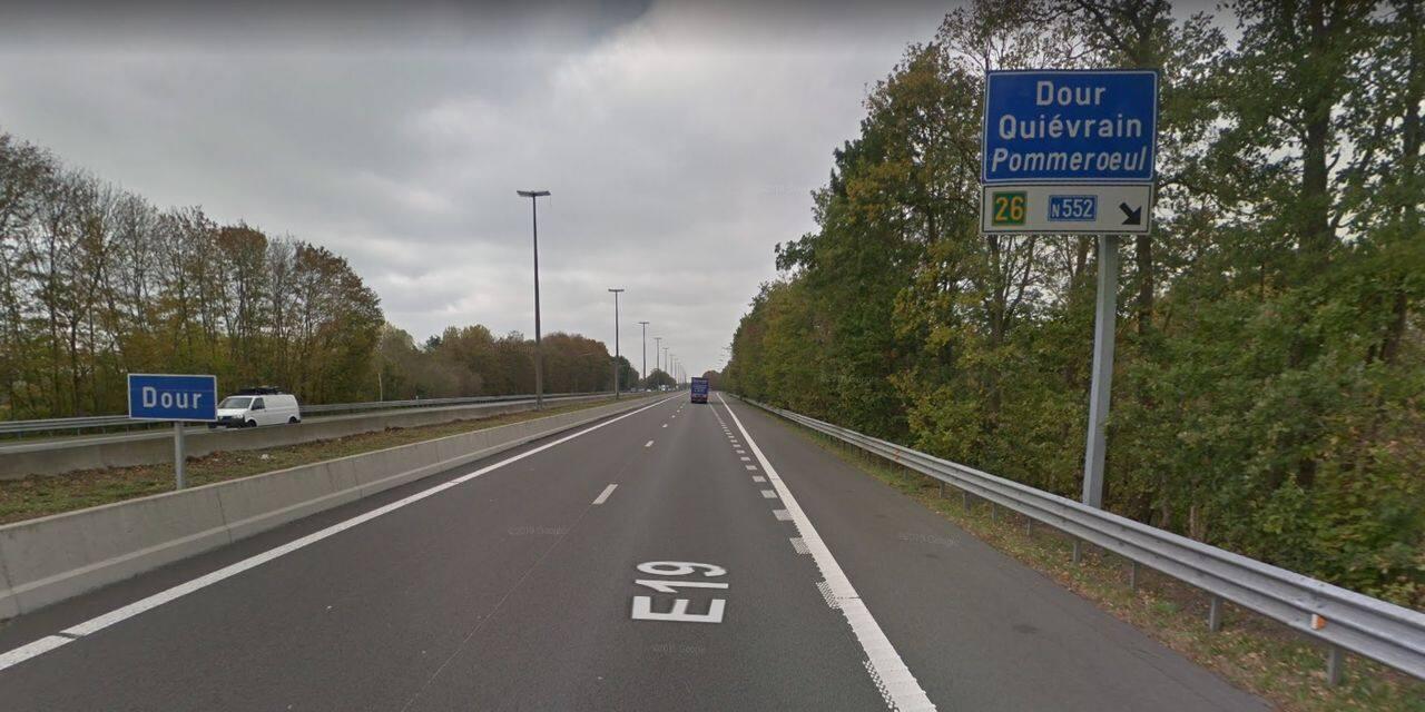 Accident sur la E19 à hauteur de Pommeroeul: un camion s'est couché sur le flanc