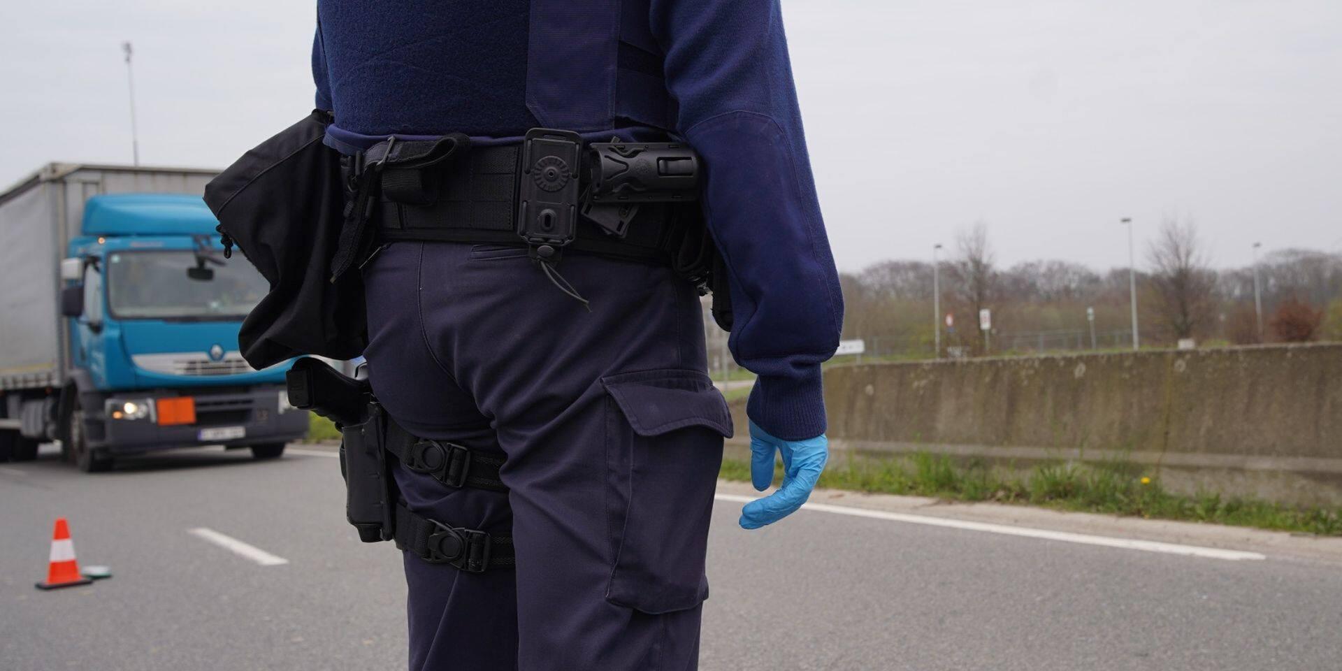 Non-respect des règles de confinement: la police de Waterloo dresse cinq P.-V. de 250 euros à des jeunes filles