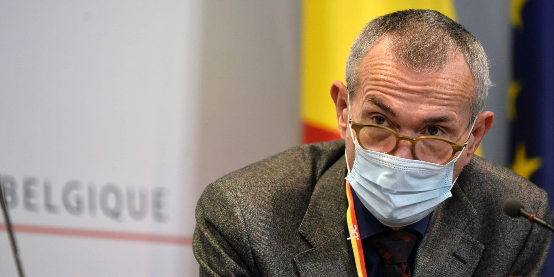 """Frank Vandenbroucke espère """"des petites quantités"""" du vaccin contre le coronavirus début 2021 en Belgique"""