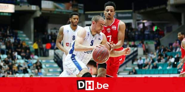 Mons' Jerome Demps Delano and Antwerp's Dennis Donkor fight for the ball during the basketball match between Mons-Hainaut and Port of Antwerp Giants, on the day 29 of the EuroMillions League Basketball competition, Friday 27 April 2018 in Mons. BELGA PHOTO VIRGINIE LEFOUR