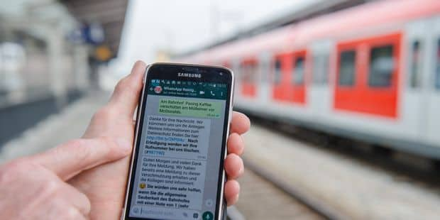 Le smartphone fait chuter les usagers de la Stib - La DH