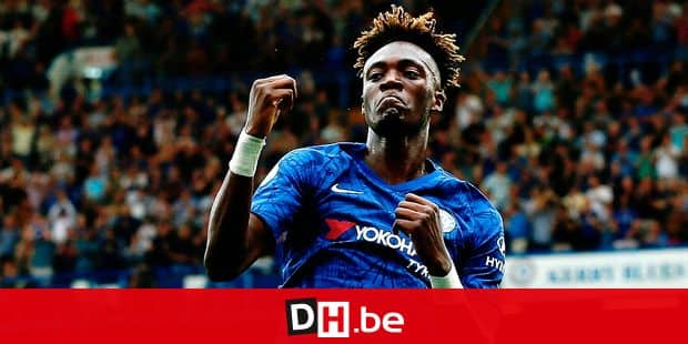 Chelsea's English striker Tammy Abraham celebrates scoring their second goal during the English Premier League football match between Chelsea and Sheffield United at Stamford Bridge in London on August 31, 2019. (Photo by Ian KINGTON / AFP) / RESTRICTED TO EDITORIAL USE. No use with unauthorized audio, video, data, fixture lists, club/league logos or 'live' services. Online in-match use limited to 120 images. An additional 40 images may be used in extra time. No video emulation. Social media in-match use limited to 120 images. An additional 40 images may be used in extra time. No use in betting publications, games or single club/league/player publications. /