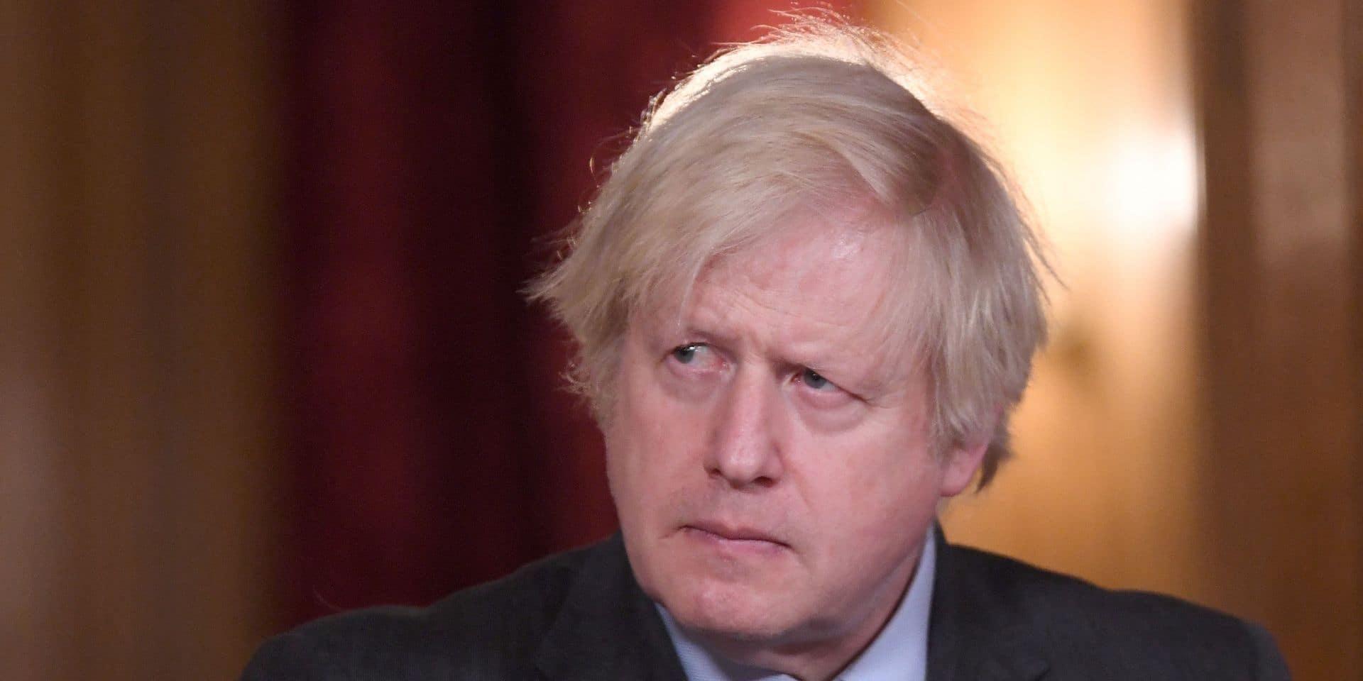 """""""Nous devrons nous faire revacciner à l'automne pour faire face aux nouveaux variants"""", estime Boris Johnson"""