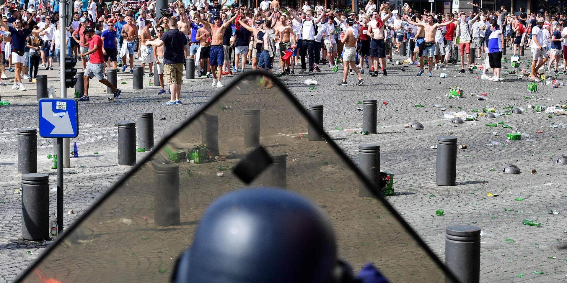 Violences à l'Euro-2016: 3 et 10 ans de prison pour les deux supporters russes