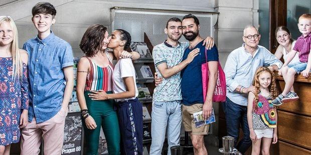 Dix communes bruxelloises participent à une campagne de lutte contre l'homophobie - La DH