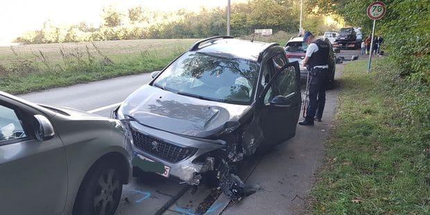 Accident entre quatre voitures à Loverval: un père et son fils blessés - La DH