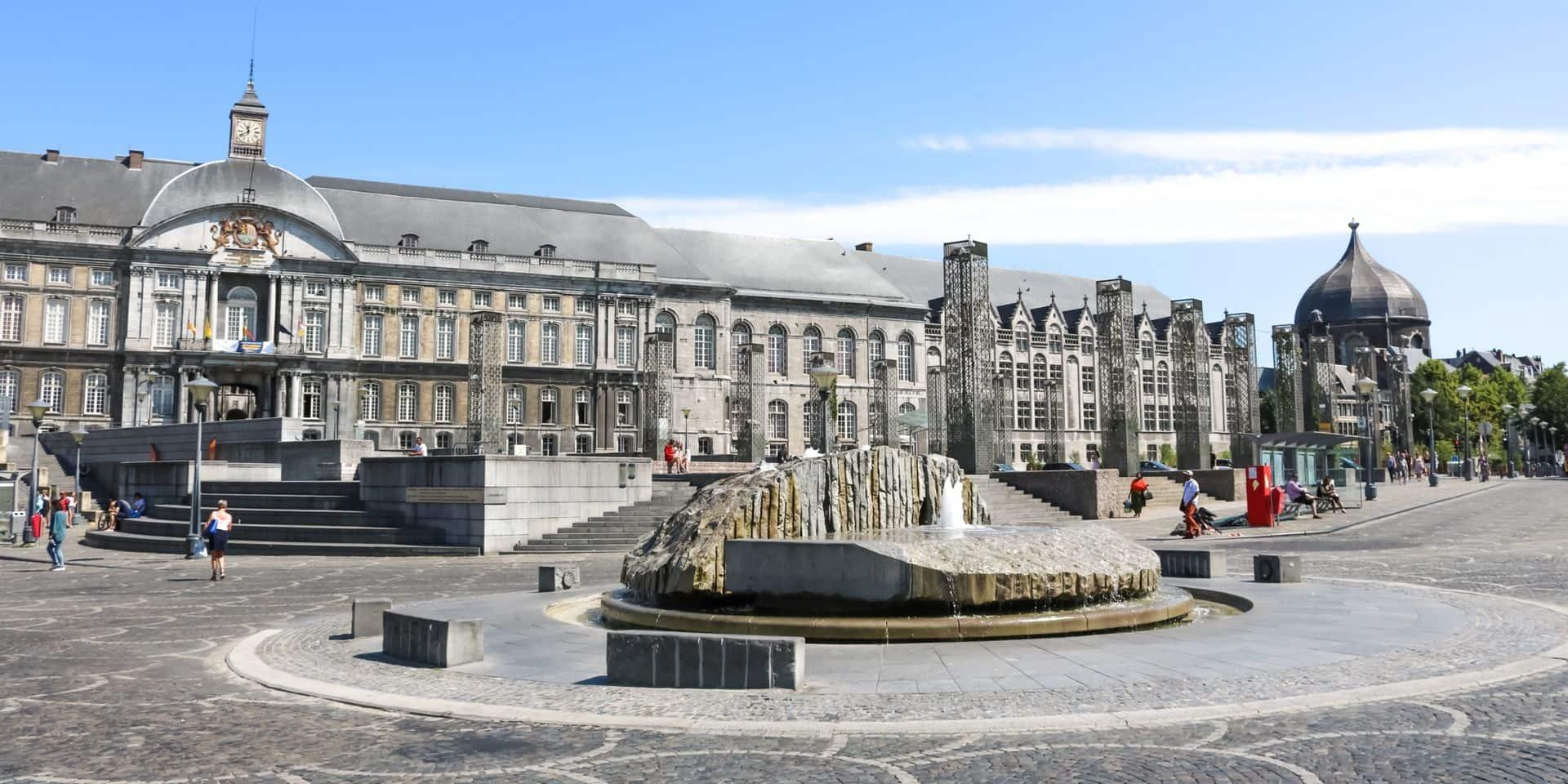 Trois jeunes interpellés pour s'en être pris à un SDF dans le centre-ville de Liège