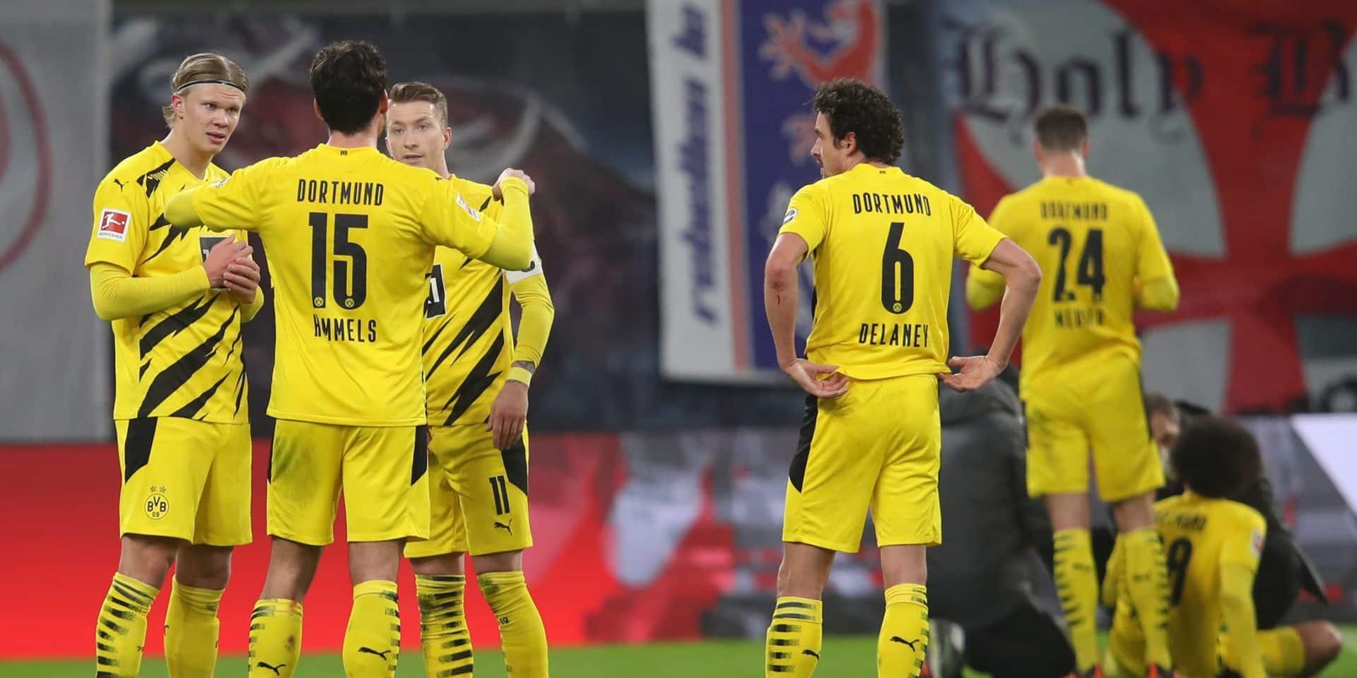 Le beau geste des joueurs du Borussia Dortmund pour Axel Witsel avant la rencontre face à Mayence (PHOTOS)