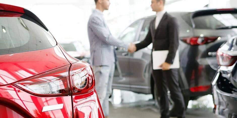 Cinq hommes souscrivent des crédits avec de faux documents pour s'acheter des voitures neuves
