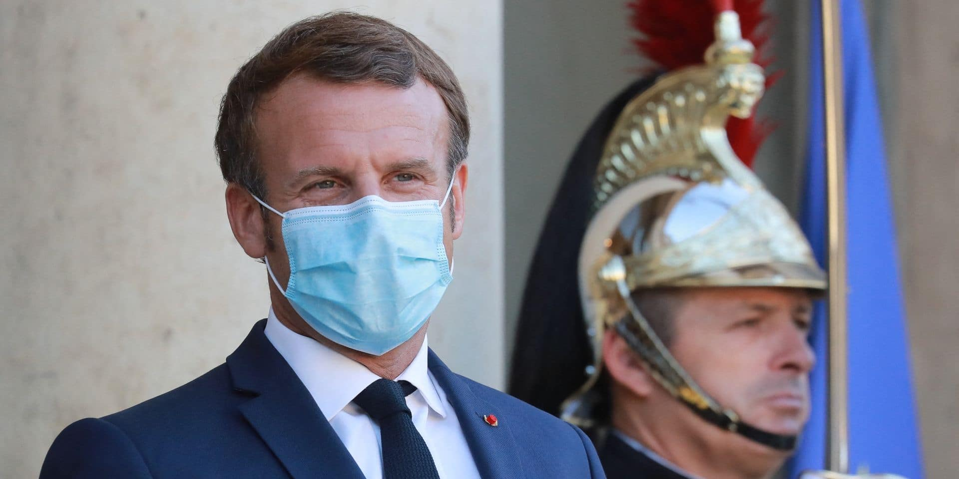 Il utilise le pass sanitaire d'Emmanuel Macron et finit...en garde à vue