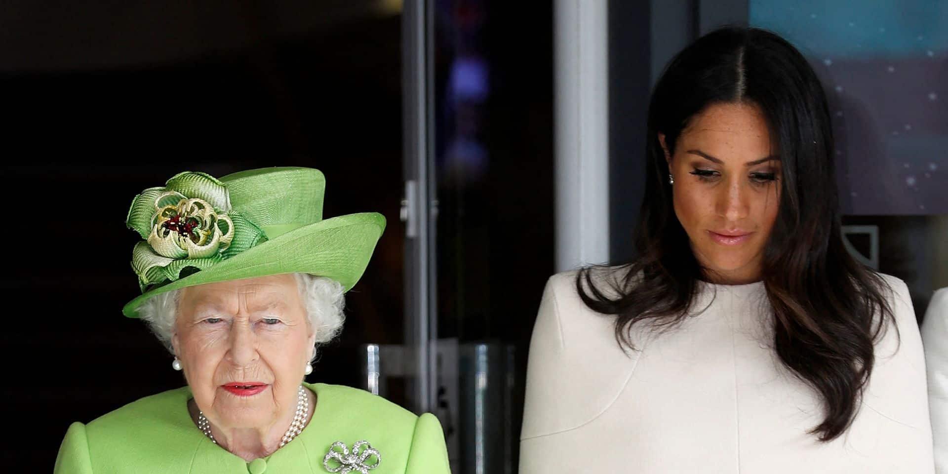 """""""Code secret"""": cette photo publiée par la Reine aurait exacerbé la paranoïa de Meghan et Harry"""