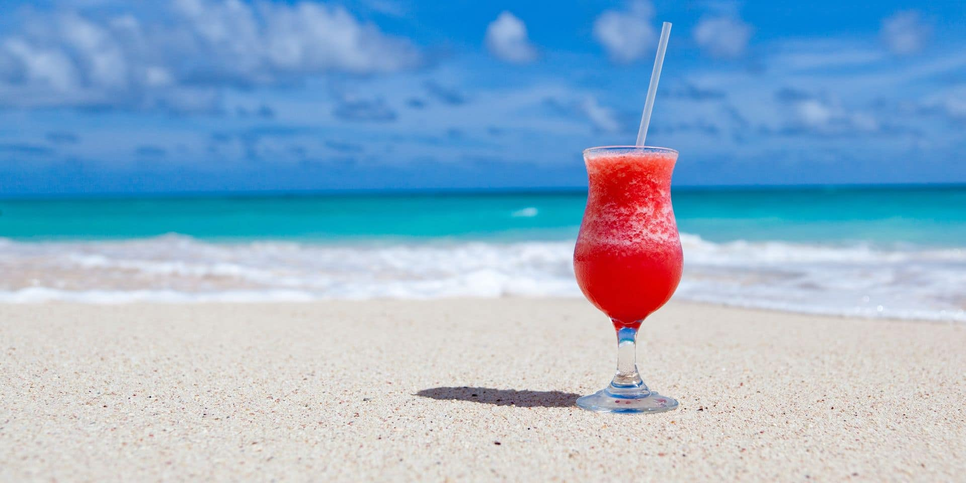 Pourquoi boire de l'alcool en plein soleil n'est pas une bonne idée