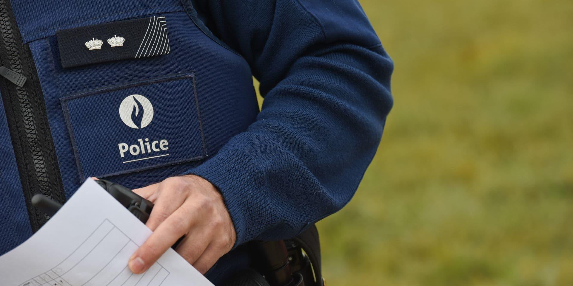 """Deux flics """"ripoux"""" de Roux, près de Charleroi, inculpés dans un vaste dossier d'escroquerie"""