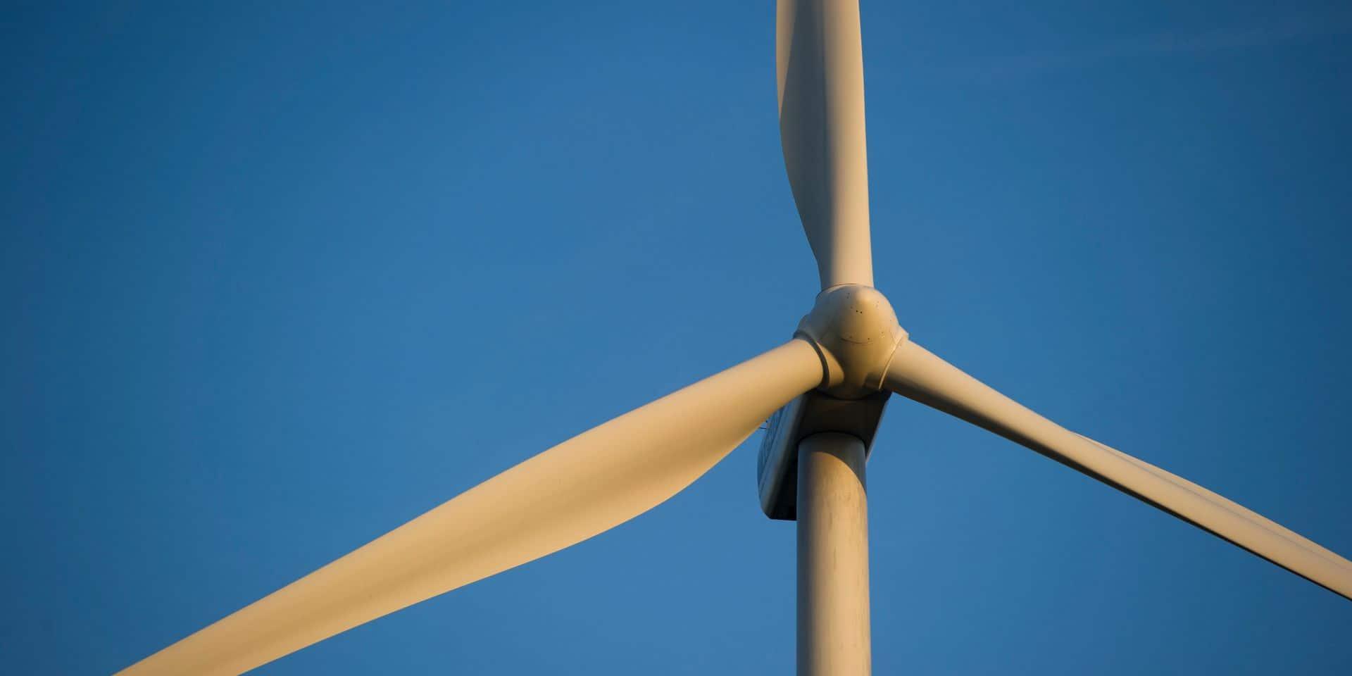 Une nouvelle éolienne près du zoning de Feluy