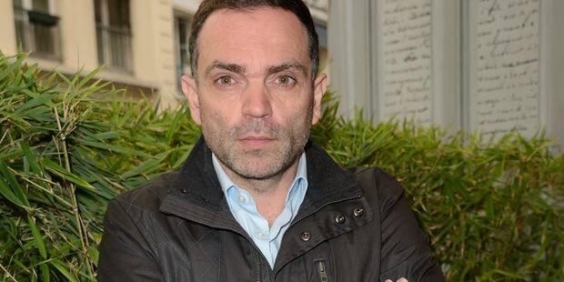 """Yann Moix surenchérit: """"J'ai passé un an à Calais à voir comment les policiers se comportent de manière barbare et crimi..."""