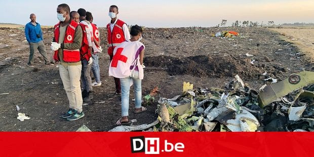 (190310) -- ADDIS ABABA, March 10, 2019 () -- Rescuers work beside the wreckage of an Ethiopian Airlines' aircraft at the crash site, some 50 km east of Addis Ababa, capital of Ethiopia, on March 10, 2019. All 157 people aboard Ethiopian Airlines flight were confirmed dead as Africa's fastest growing airline witnessed the worst-ever incident in its history. The incident on Sunday, which involved a Boeing 737-800 MAX, occurred a few minutes after the aircraft took off from Addis Ababa Bole International Airport to Nairobi, Kenya. It crashed around Bishoftu town, the airline said. (/Wang Shoubao) Reporters / Photoshot