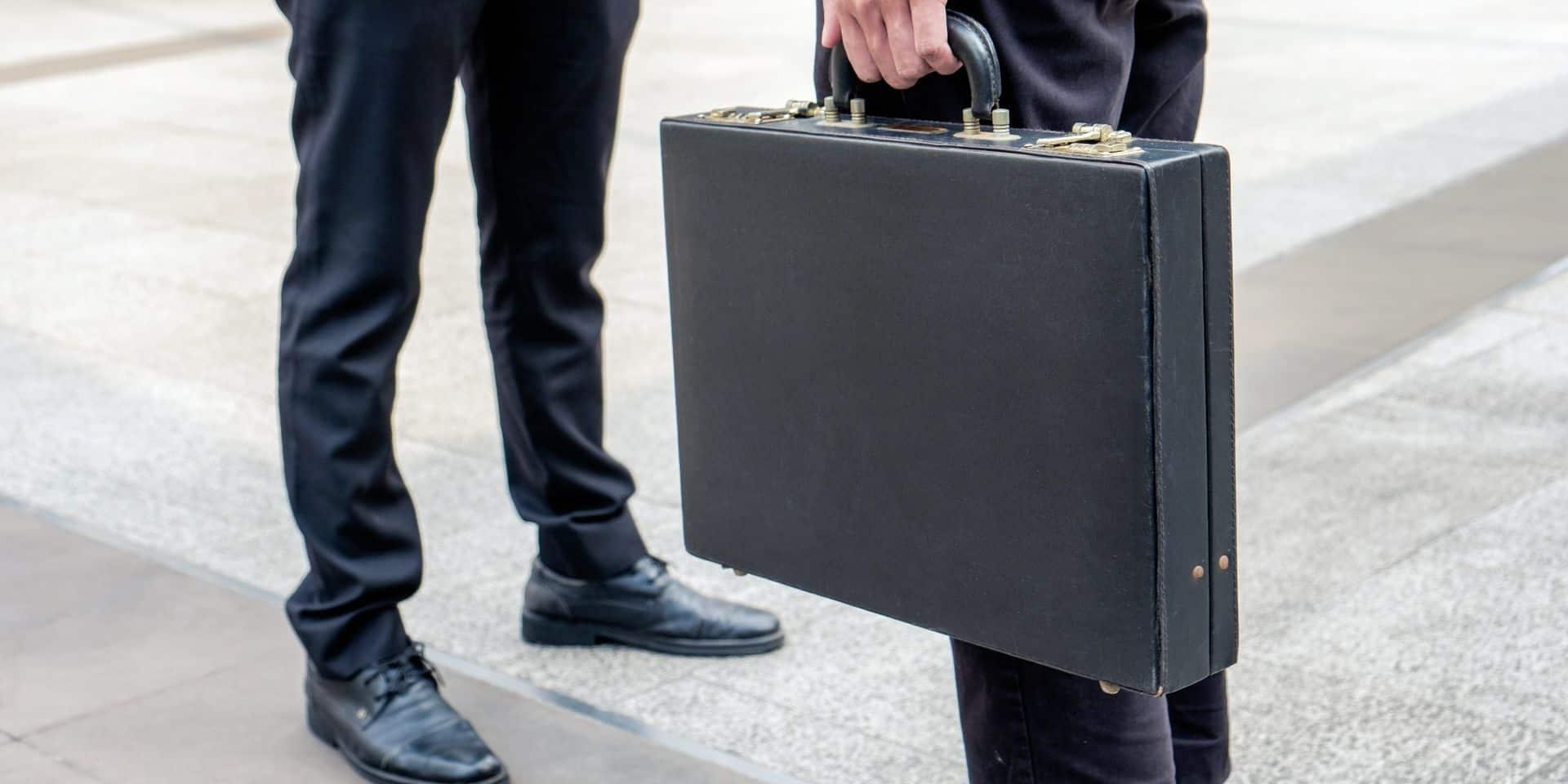 Des documents sensibles du ministère britannique de la Défense retrouvés à un arrêt de bus