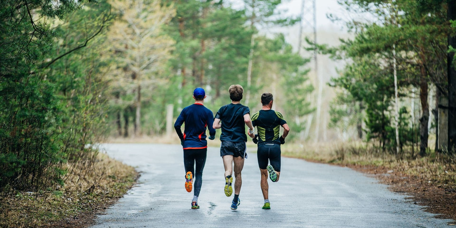 General,Plan,Runners,Three,Men,Running,Down,Road,In,Park.